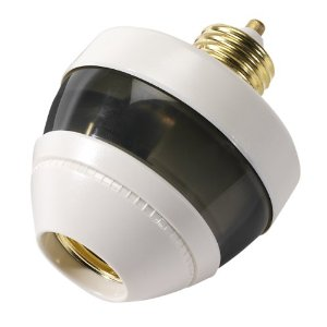 First Alert PIR725 Compact Fluorescent Bulb Compatible Motion Sensing Socket